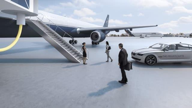 Des berlines allemandes conduisent les VIP ou célébrités au pied de l'avion.
