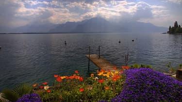 Plusieurs députés socialistes appellent la Suisse à rembourser le manque à gagner fiscal aux Etats dont les ressortissants ont caché leurs avoirs en Suisse. (Photo: le lac Léman)
