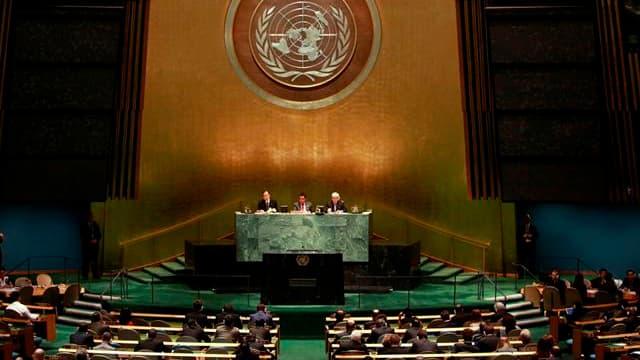 Les Nations unies ont exprimé mercredi leur prudence face aux affirmations françaises de la veille, selon lesquelles les forces syriennes loyales au Président Bachar al Assad ont certainement employé du gaz sarin contre la rébellion. /Photo d'archives/REU
