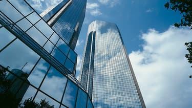 12 établissements sont visés par les plaintes, parmi lesquels Goldman Sachs, JP Morgan ou Deutsche Bank