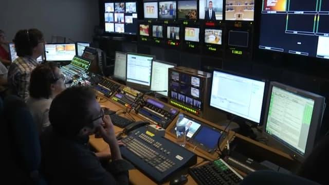 Dans les locaux de TV3.