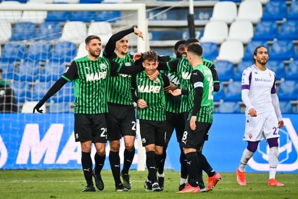 Maxime Lopez félicité pour son but face à la Fiorentina