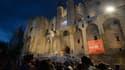 Manifestation des intermittents devant le palais des Papes d'Avignon, le 4 juillet.