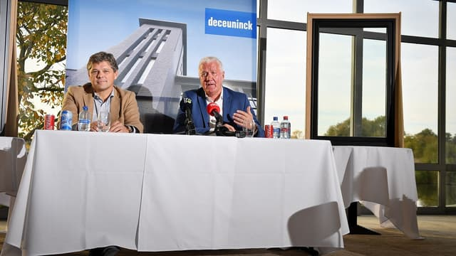 Patrick Lefevere (à droite) face à la presse