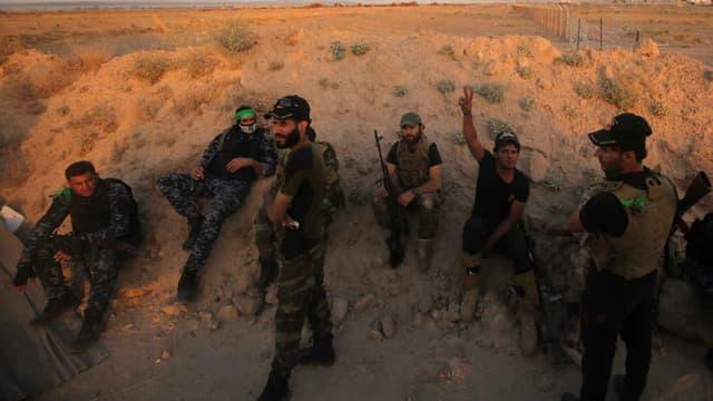 Les forces pro-gouvernementales irakiennes se dirigent vers Fallouja, afin de reprendre la ville à Daesh, le 23 mai 2016.
