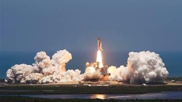 La navette spatiale Atlantis a décollé du centre spatial Kennedy pour une dernière mission à destination de la Station spatiale internationale (ISS). La Nasa mettra fin cette année à son programme de navettes après deux autres missions effectuées par Disc