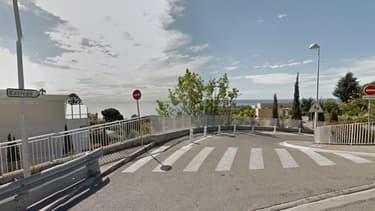 L'entrée du collège de l'Archet à Nice.