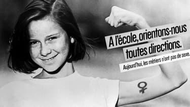 Photo prise le 6 avril 1984, d'une campagne lancée par le ministère des droits de la femme en faveur de l'égalité homme-femme.