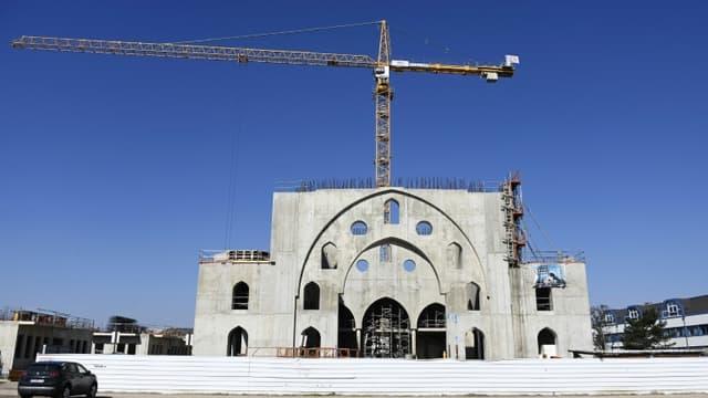 Le chantier de la mosquée Eyyub Sultan dans le quartier de La Meinau à Strasbourg se poursuit le 24 mars 2021, deux jours après un vote controversé de la mairie sur une subvention des travaux