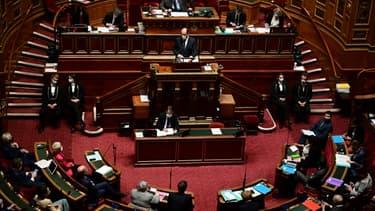 Jean Castex devant le Sénat le 1er avril 2021 à Paris.