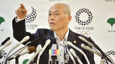 Le gouverneur de Tokyo, Yoichi Masuzoe se trouve sur un siège éjectable après que huit partis ont déposé une motion de défiance contre lui, et réclamé sa démission.