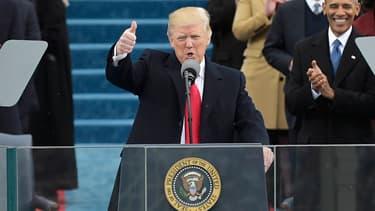 Donald Trump,qui ne pense qu'à protéger les entreprises locales et à se fermer aux idées extérieures, ce qui a pour effet de freiner les budgets de recherche des entreprises.