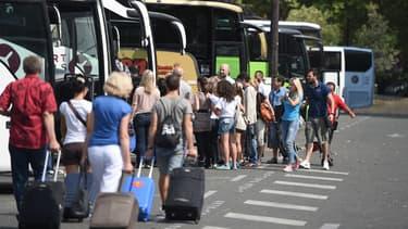 Les vols étaient commis dans la navette effectuant le trajet Porte Maillot-Beauvais. (Image d'illustration)