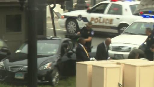 Le véhicule de Miriam Carey, tuée par la police du Capitole, a fini sa course dans un barrage de police