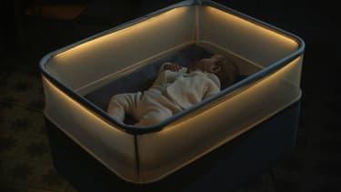 Le Max Motor Dreams est un berceau connecté créé par Ford, qui reproduit les mouvements de la voiture pour endormir bébé ( et certainement rêver de Mustang).