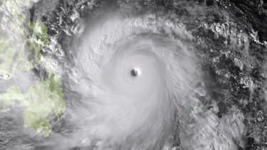 Image satellite du typhon Haiyan s'approchant des Philippines le 7 novembre 2013.