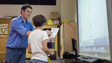 Le statut des enseignants, fonctionnaires d'exécution, pourrait être remis en cause.