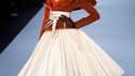 Pour la haute couture estivale de Dior, John Galliano a une nouvelle fois mis en valeur l'héritage du fondateur de la maison, donnant un nouveau souffle au vestiaire des années 50. /Photo prise le 24 janvier 2011/REUTERS/Benoît Tessier