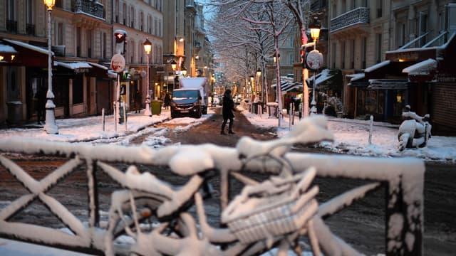 Rare, plus de 10 cm de neige mercredi à Paris.
