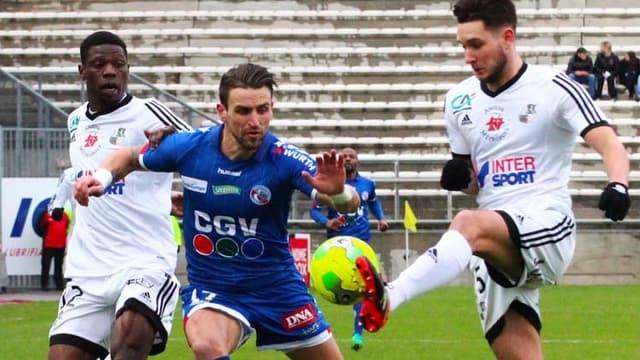 Anthony Gonçalves entre deux Amiénois