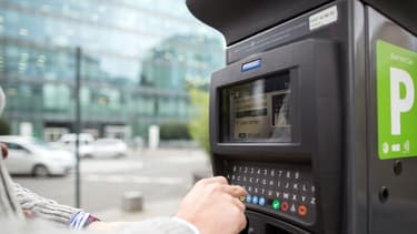 La fraude au stationnement représente aujourd'hui 300 millions d'euros par an d'impayés pour la ville de Paris.