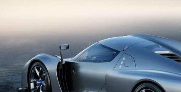 La ressemblance avec la Ferrari Enzo n'est pas totalement une coïncidence: James Glieckenhaus est un milliardaire américain, grand passionné d'automobile, connu pour avoir d'abord créé avec Pininfarina la P4/5, une sorte de remix de la Ferrari Enzo.