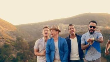 Les Backstreet Boys dans le clip de In a World like this, en 2013.