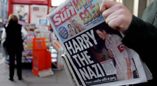 La presse tabloïd se délecte des dérapages du prince Harry.