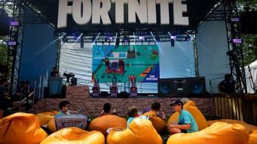Environ 350 millions de personnes ont joué à Fortnite depuis 2017, année de la sortie de ce jeu de tir et de survie devenu une star des compétitions d'e-sport.