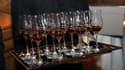 Plusieurs verres de Cognac servis dans un restaurant à Miami