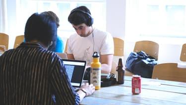 Graphistes, web-designers, journalistes de données, communicants... Les entreprises vont faire de plus en plus recours à ces types de profils.