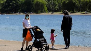 Une femme portant un masque à Londres le 19 mai 2020