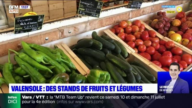 Valensole: des stands de fruits et légumes en bord de route