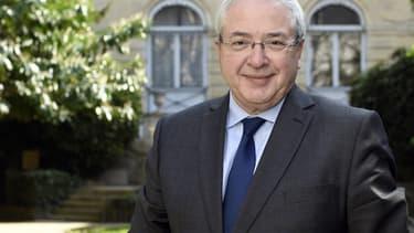 Jean-Paul Huchon n'a pas encore renoncé à la région Île-de-France, quitte à défier Claude Bartolone.