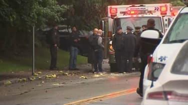 Des policiers sur les lieux de la fusillade le 27 octobre