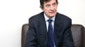 Le président de l'Autorité des marchés financiers (AMF), Jean-Pierre Jouyet, annonce sur RMC l'ouverture d'une enquête sur la montée du groupe de luxe LVMH au capital d'Hermès.