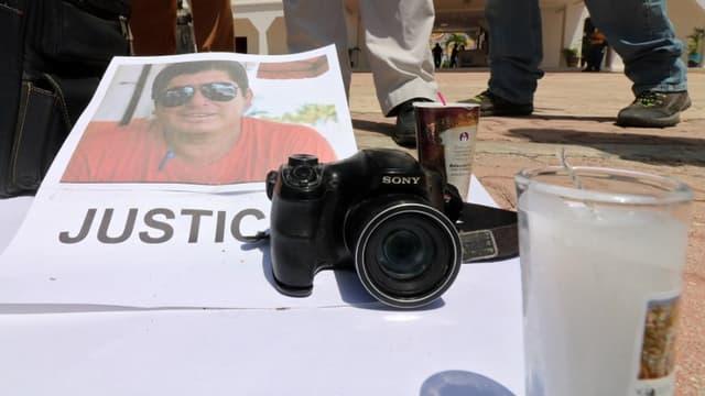 Le 30 juin 2018, des manifestants s'étaient réunis devant la mairie de la capitale de l'État de Quinatana Roo pour dénoncer l'assassinat d'un autre journaliste, Jose Guadalupe Chan,