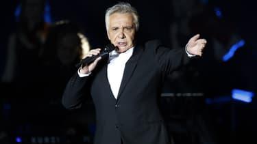 Michel Sardou sur la scène de Bercy, le 12 décembre 2012 à Paris. (Photo d'illustration)