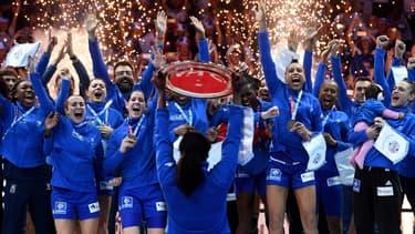 Face à la médiatisation des footballeurs vainqueurs de la Coupe du Monde, même la victoire européenne des joueuses de handball ne suffit pas à augmenter le nombre de femmes dans le  top 1000 des personnalités les plus médiatisées en 2018