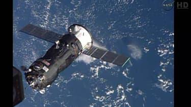 Image de la Nasa montrant un vaisseau Progress arrivant pour ravitailler l'ISS, le 29 octobre 2014