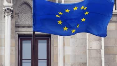 Un Irlandais a eu la mauvaise surprise de recevoir la visite de la police parce qu'il avait accroché chez lui un drapeau européen (illustration).