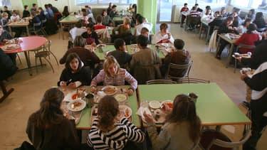 Plus de 8 millions d'élèves sont inscrits à la cantine en France, tous niveaux scolaires confondus, dont 4,8 millions en primaire