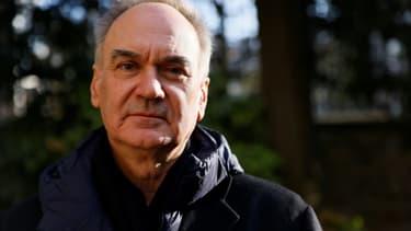 Le romancier Hervé Le Tellier le jour où il a reçu le prix Goncourt, le 30 novembre 2020, à Paris