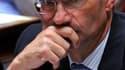 Selon Le Parisien, le ministre du Travail Eric Woerth a reçu cette semaine une lettre de menaces contenant une balle de fusil. /Photo prise le 8 septembre 2010/REUTERS/Philippe Wojazer