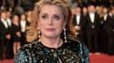 """Catherine Deneuve à Cannes pour la montée des marches de """"L'Homme qu'on Aimait Trop""""."""