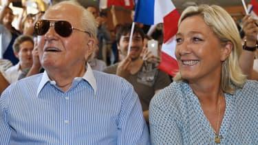 Jean-Marie Le Pen à côté de sa fille Marine Le Pen lors du congrès des jeunes du Front national cet été 2014