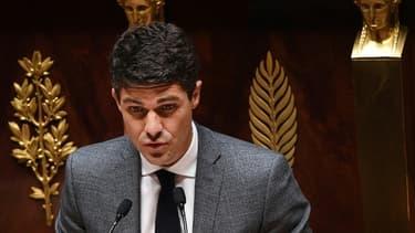 Aurélien Pradié à l'Assemblée nationale le 28 avril 2020