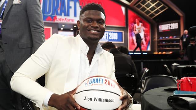 Zion Williamson lors de la draft 2019 de NBA, à New York le 20 juin 2019