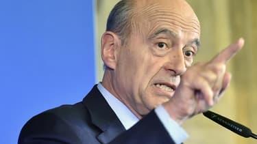 D'après un nouveau sondage, Alain Juppé est donné en tête des intentions de vote pour la primaire de la droite, avec 38% des voix, devant Nicolas Sarkozy.