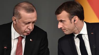 Recep Tayyip Erdogan et Emmanuel Macron lors d'un sommet sur la crise syrienne à Istanbul, en Turquie, le 27 octobre 2018
